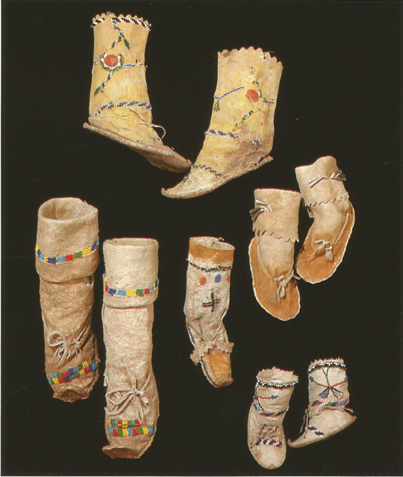 aaab27d4bf The Hopi wore moccasins made ...
