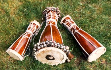 The three sacred drums of santería are the African batá drums