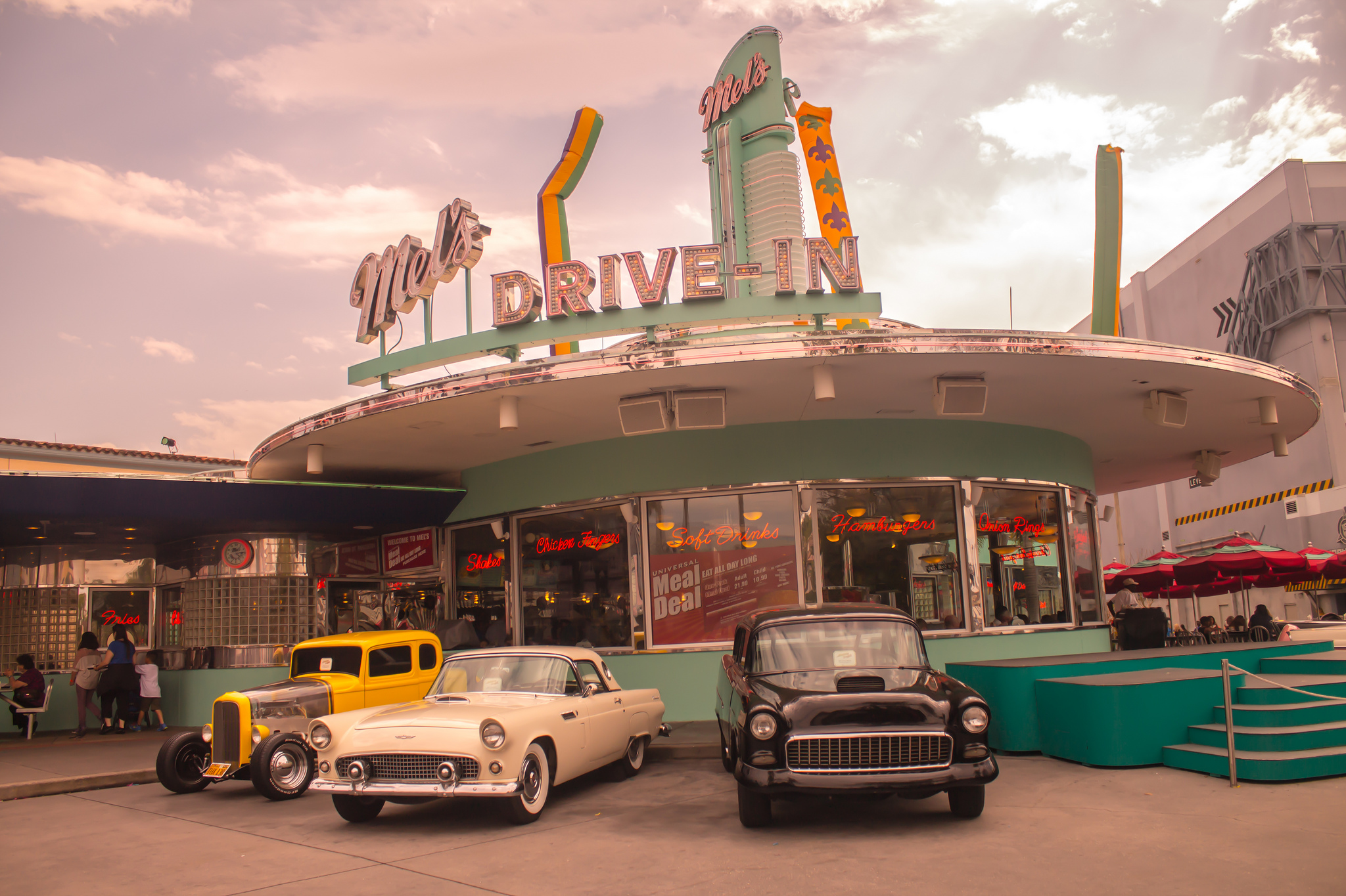This Specific Retro Restaurant Chain Is Commonly Associated With The Popular Movie American Graffiti