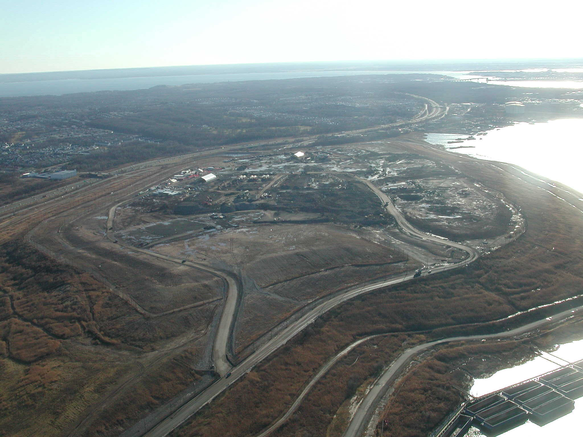 "an overview of the largest landfill in the world the fresh kills landfill ""the thing is since staten island is notorious for having one of the single largest landfills on the eastern seaboard – the fresh kills landfill – we hypothesize that these dangerous fungi."